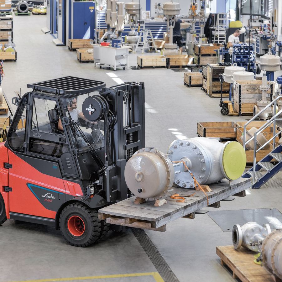 Work-at-height and material-handling solutions | Eazi Access